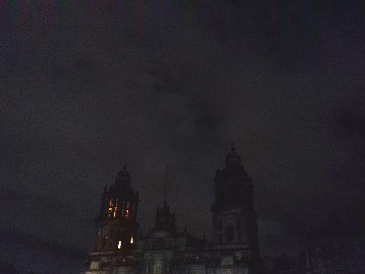 Catedral CDMX. Iglesia Noche Oscuro Nublado