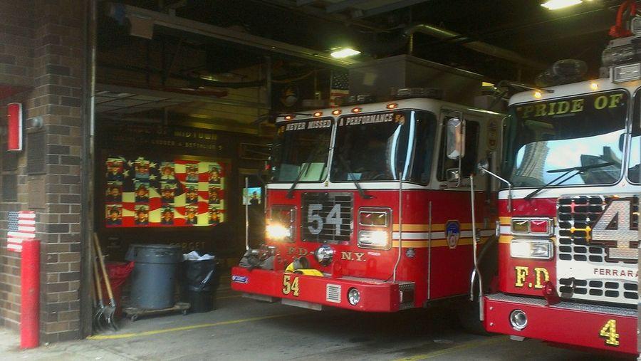 Streetphotography Engine Company Everyday Heros NYC Fire