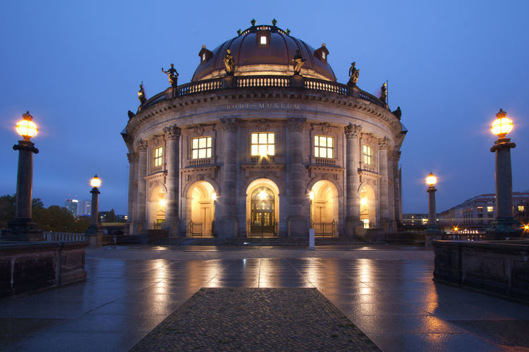 Bode Museum in Berlin at dusk Berlin Blue Hour Bode Museum City Cityscape German Museumsinsel Twilight Architecture Building Exterior Built Structure Dawn Dome Dusk Europe Evening Famous Place Germany Illuminated Landmark Museuminsel In Berlin Night No People Nobody Travel Destinations
