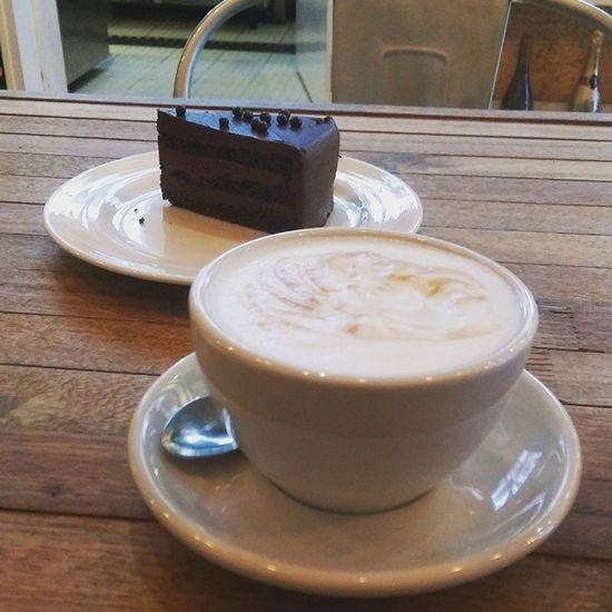 Scone for Breakfast and ChocolateFudgeCake for Dinner what's for tea!! Hmvkafehk Macchiato Cake Someoneisgettingfatter