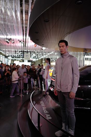 TMS2017 AUDI Stage Model : 2017 Stock photo. LEICA Q 28mm f/1.7 No Filter No Flash handheld No crop de Good Saturday. 28mm Selective Focus Full Frame 2017 Photo Audi Motor Show Tokyo Motor Show 2017 Tokyo Days No Flash Photograhpy Indoorshoot New Wave Portrait Of A Man  東京モーターショー2017 Standing Real People Adult Young Adult Portrait