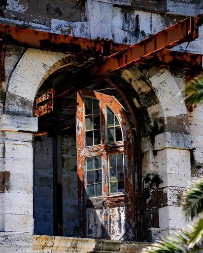 Broken Windows and Rusted Beam Broken Window Old Rustic Rusty Steel Beam Shadows Ruins Contrast Brick Wall Stunning Bermuda Rustingaway Steelbeams MyFavorite  Picoftheday Pictureoftheday Ronlouisphotos Photography Travelphotography Travel Travelphotographoftheday Vscocam vsco hsdailyfeature global_hotshotz gspc shotaward
