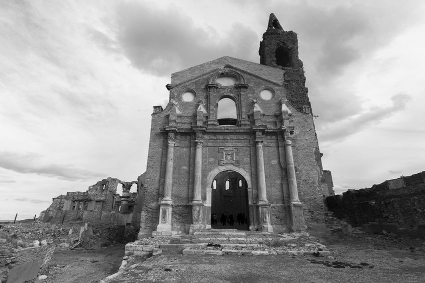 Civil War Ruins Zaragoza Ancient Ancient Civilization Arch Architecture Belchite Belchite Viejo Building Exterior Built Structure Cloud - Sky Day History Low Angle View No People Old Ruin Outdoors Place Of Worship Religion Ruins_photography Sky Spirituality The Past Travel Destinations
