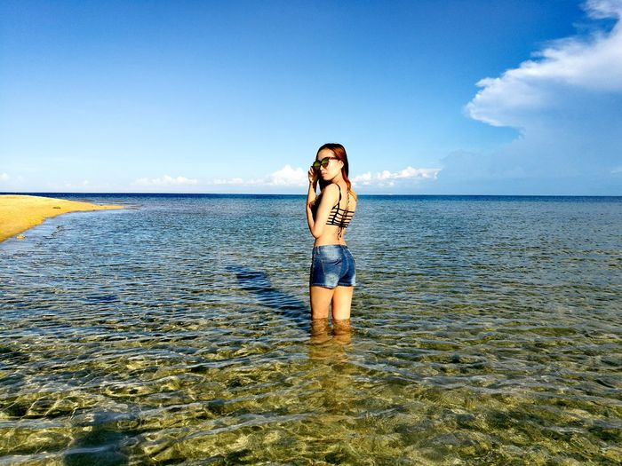Trying to get out of my shell. First time to wear shorts and beachwears for 25 years of existence. Yes it's true. Duringbirthmonth Beach View Sunbathing☀ BirthdayCelebration✌ Beauty Lady Bathtime Fun♡ Friendsbondingmoments