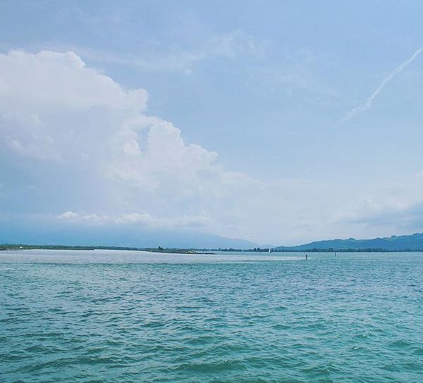 Beautiful View of the Lake . At the Hafen Port going on a Cruise in a Cruiseship . Lindau Bodensee Deutschland Germany . Taken by my Sonyalpha DSLR Dslt A57 . مرفأ يخوت بحيرة جزيرة لينداو المانيا