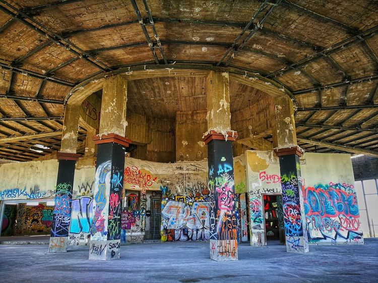 Urban art Multi Colored Indoors  Day Architecture No People EyeEmNewHere EyeEm Selects Abandoned Places Abandoned Buildings Abandoned HuaweiP9 Huawey P9 HuaweiP9Photography Huawei Photography Graffiti Art Graffitiporn Graffiti & Streetart Urban Art
