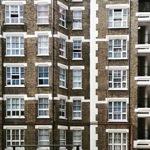 London'swindows The Architect - 2016 EyeEm Awards London Walking Windows Photography Citylife City Cityhouse Life Many Manulife