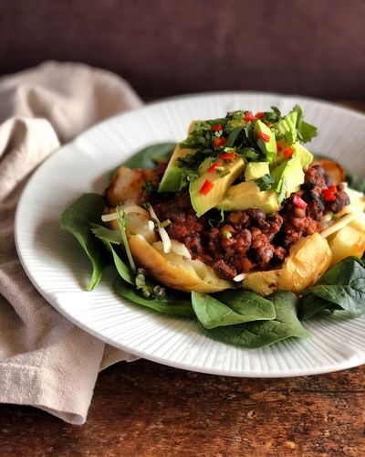 Stuffed potato Baked Potato Meal Lunch Dinner Spinach Chilli Con Carne Avocado Beans Stuffed Potato Potato Vegan Vegan Food Healthy Food Sports Nutrition Gluten Free Vegetarian Food Athlete Food Healthy Lifestyle Veganfoodporn Food Food And Drink Freshness Healthy Eating Ready-to-eat Plate Indoors  Vegetable Wellbeing Healthy Lifestyle No People