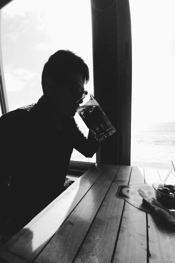 Beer! 🍺 Black&white Mobilephotography Smartphonephotography Shadows & Lights Blackandwhite Travel Movil Alone Sky Day Beer Drinks And Bottles Bar Fashion Baja California, Mexico