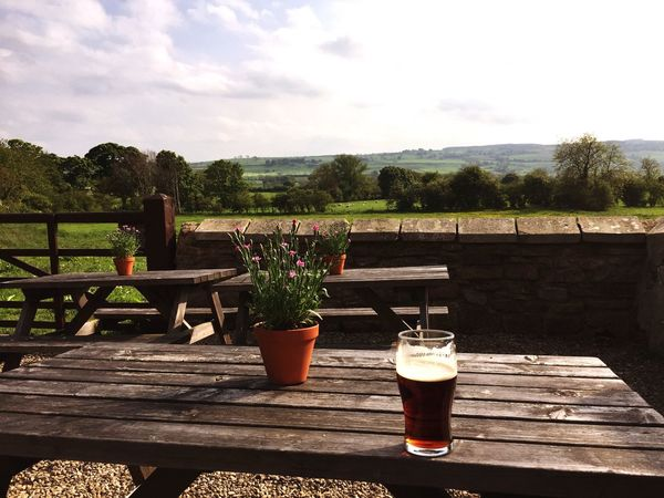 The Essence Of Summer Pub Yorkshire England Beer Countryside United Kingdom Great Britain British Beer Garden Ale Live For The Story