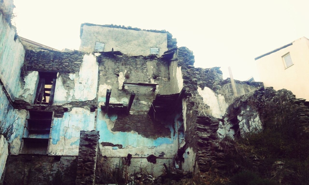 old, architecture, abandoned, no people, damaged, built structure, old ruin, building exterior, history, outdoors, clear sky, day, sky