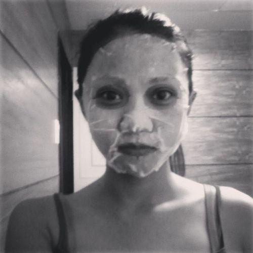 For an early halloween :D haha , joke lang! Facemask Dedmanalangsaeyesbags Beautycare Feelingme Goodevening