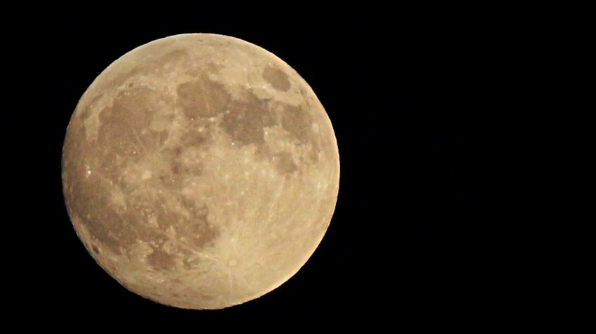 Moon Full Moon Japan Fotography Beautiful Space 今日は『中秋の名月』ですね。大きなお月様にビックリ🌝
