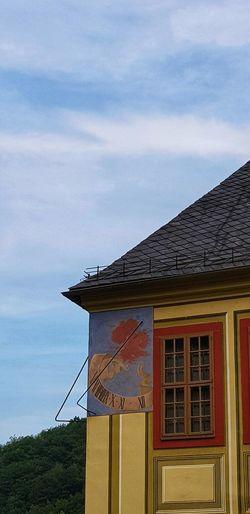 Sundial Castle Schloss Weesenstein EyeEm Best Shots EyeEmNewHere Eyemphotography Eyem Nature Lovers  Eye4photography  EyeEm EyeEmBestPics Sachsen Müglitztal Sky Roof House Architecture Building Exterior Built Structure