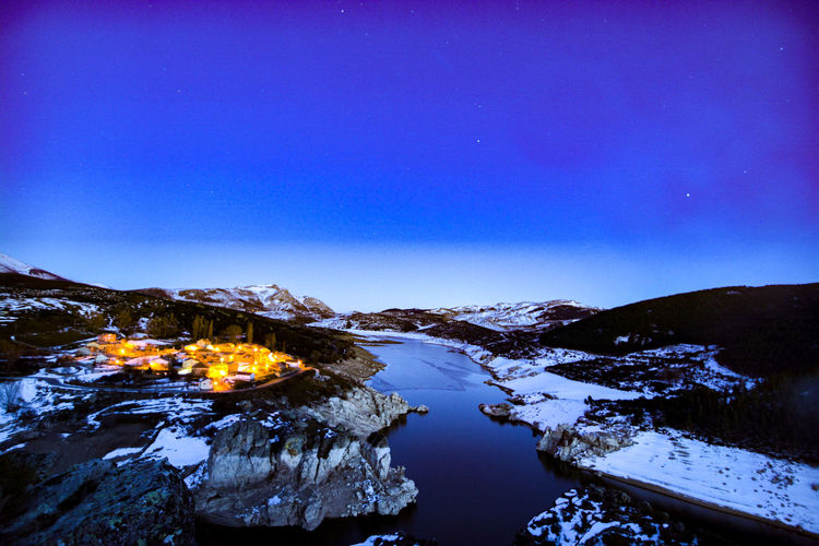 mirador del alba, Palencia. Pantano Lago Luces Pueblo Mirador Del Alba Mirador Atardecer Hora Azul Beauty In Nature Nieve Blue Landscape No People Nature Beauty In Nature Scenics Water Mountain Outdoors Tranquility Night Sky Star - Space Snow Clear Sky Milky Way Galaxy Astronomy