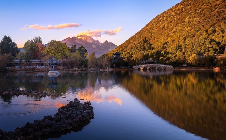 Water Reflections Reflctions Landscape_photography Landscape_Collection Yunnan ,China China Reflection Mountain Scenics Beauty In Nature Sky Nature Lake Water Mountain Range Tranquility Tranquil Scene Outdoors No People Tree Autumn Sunset Landscape Day