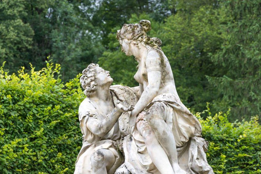Sculpture Statue Romantic Strasse Ludvig Castle Scenics love Man women Lovers romantic Romantic Scenery tree Green