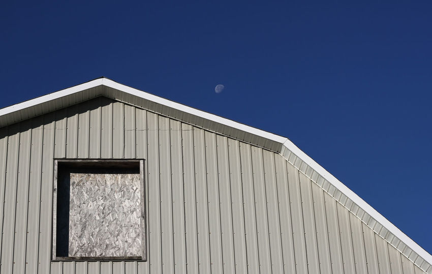 BARN UNDER BLUE SKY Barn Farm Architecture Blue Built Structure Clear Sky Day High Contrast Sky