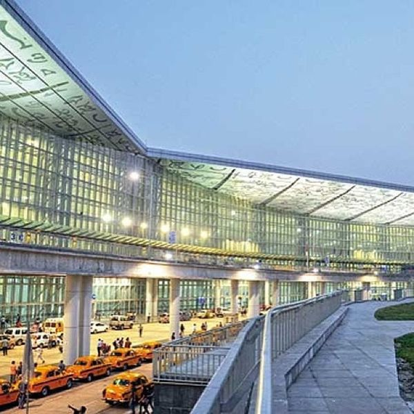 Just shocked to see the changed face of kolkata airport wen i arrived here. Awesome Lovely Kolkata Airport Taxi Parkinglot Night Lights WestBengal Netajishubhashchandrabose Leader Great