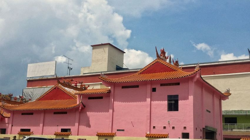 Architecture Cloud - Sky Building Exterior Built Structure Sky Day Outdoors No People Roof City Nature EyeEmNewHere KluangMan Eyemphotography Kluang Famous Temple View