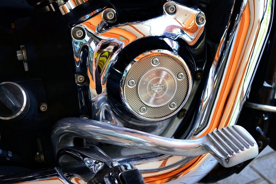 Harley Davidson Twin CAM USA, and peddle, close-up. Harley Davidson Gear Box Nawfal Johnson Low Rider  Details Chrome Transportation Mode Of Transport Land Vehicle Motorcycle High Angle View Close-up No People Indoors