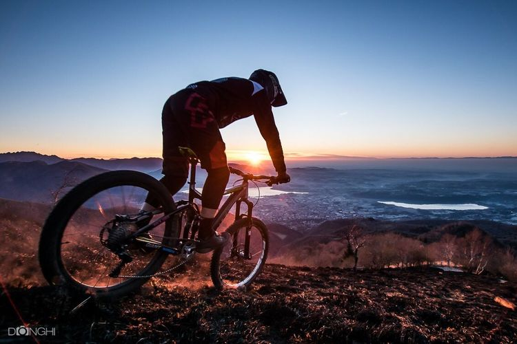 Sport Adventure Cycling Outdoors Enduromtb Sonyalpha Nature Actionphotography Italy🇮🇹 Extreme Sports Sports Photography MTB Biking Cycling Helmet One Person Rocknroll Bolettone Burn