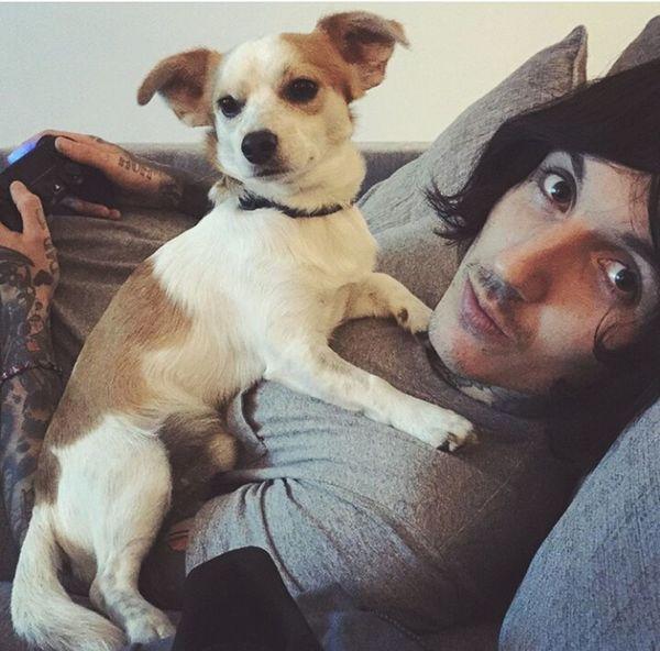 Relationshipgoals Oliver Sykes Life Goals Puppy Dylan Dog Love ♥ 😣😍💞🐶