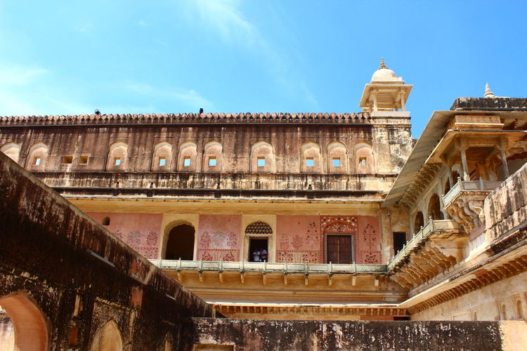Architecture Built Structure Sky History City Building Exterior Low Angle View Outdoors Balcony Historic Building Architectural Column Historic The Past Travel Destinations Culture Indiapictures Rajasthan Jaipur Palace Wall - Building Feature Indianstories International Landmark Tourism Architecture Vacations Spirituality