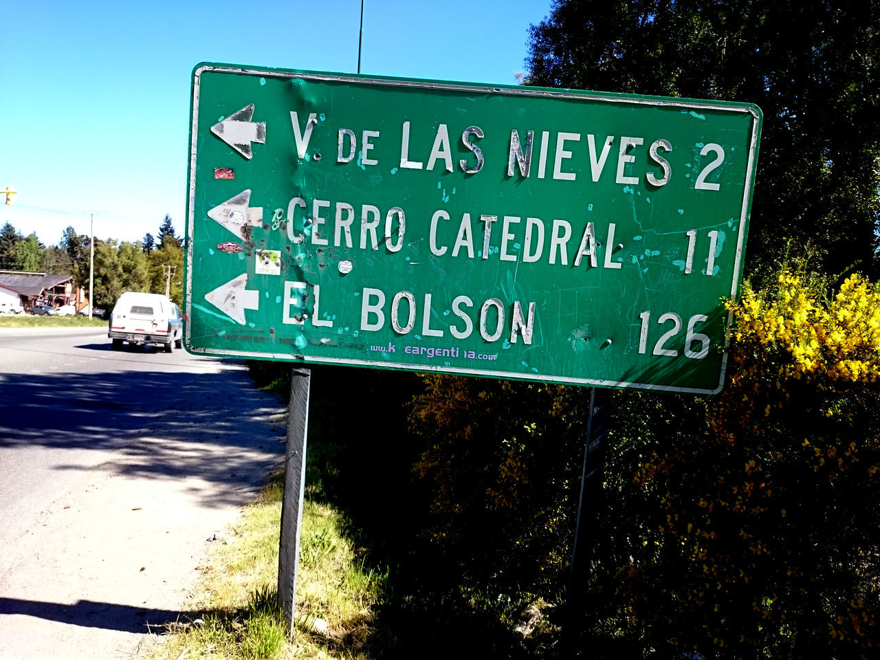 Cartel. Road Sign. Bariloche, Argentina El Bolson Llao Llao Sony Xperia Z2 Transit Argentina Bariloche Cerro Catedral Green Color Mobile Photography No People Road Sign