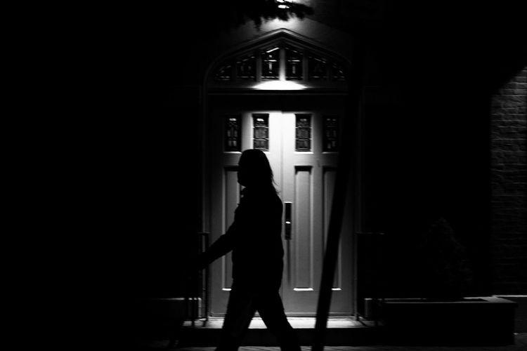 Silhouette Architecture Black Velvet    Blackandwhite Photography Built Structure Dark Human Representation Illuminated Lifestyles Monochrome MonochromePhotography Silhouette Street Photography Streetphotography