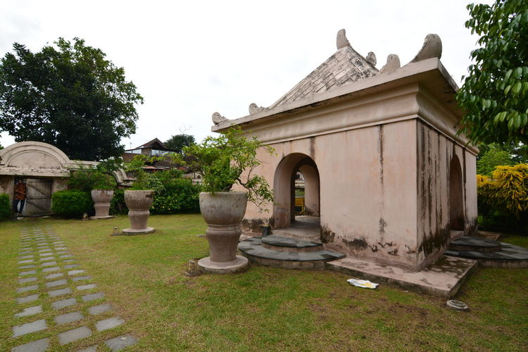 Taman Sari Water Castle is a site of a former royal garden of the Sultanate of Yogyakarta Architecture Building Exterior Built Structure Historic Historical Building History Human Representation INDONESIA Indonesia_allshots Old Royal Taman Sari - Yogyakarta Tamansari