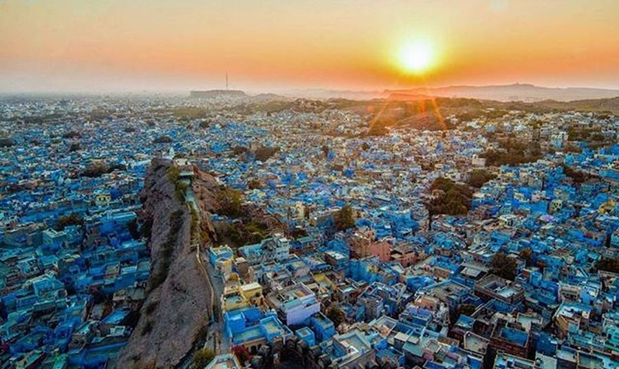 Blue City. Sunset view from a top of Mehrangarh Fort, Jodhpur India. 🌇📷 India Bluecity Jodhpur Rajashtan Travelphotography Travel Storiesofindia Rarecation Lensamalaya Snapersmalaya Instagood Instagram Instadaily Beautifuljaipur Planetofjodhpur Candidsyndrome Traveler
