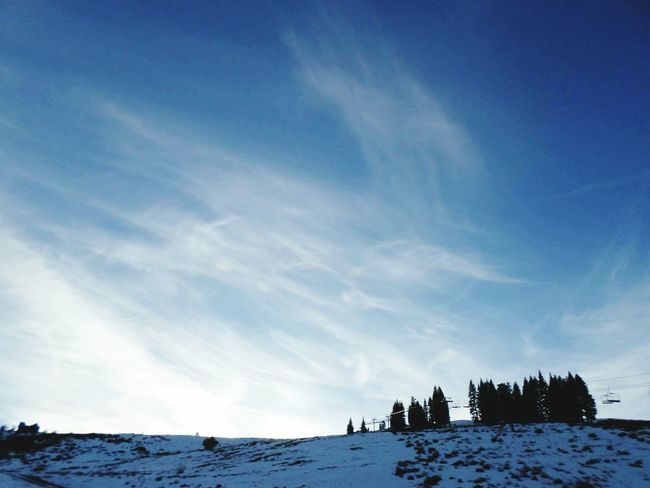 Clear Blue Sky Snow Truckee  CaLiFoRniA StAtE