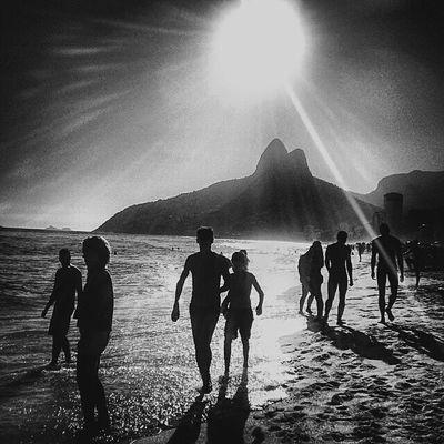 Ipanema Ipanema Riodejaneiro Riomais Eutonanuvem Vscocam Photographblackandwhite BWW Streetphotography Beach