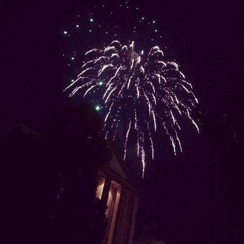 Wie nett, ein Feuerwerk anlässlich meines Geburtstages gestern.