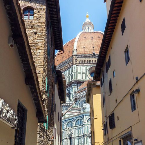 Architecture City Tower Travel Destinations History Outdoors City Life Low Angle View Building Exterior Florence Italy Italy Dome Duomo Santa Maria Del Fiore Cathedral Florence Famous Place Landmark