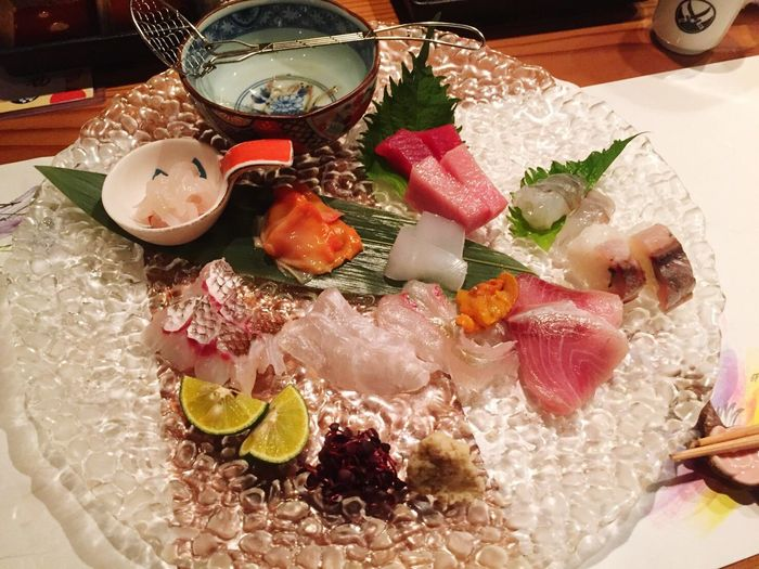 Variation Food Indoors  No People Healthy Eating Freshness Day Japanese  Japanese  日本酒 和食 二刀流 Japanese Culture Nitoryu Japanese Food Japanese Style Relaxing Enjoying Life Food And Drink Selfie Indoors  Drink Freshfish Sashimi Dinner