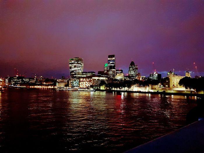 Reflection Lake Thames River Side Londonlife London London London!!! Tranquility Illuminated Glowing Noedit Cityscape