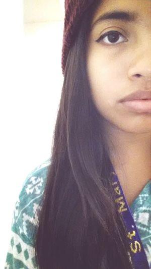 Selfie Half Face Eyeliner College Girl