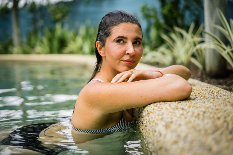 Water Portrait Lifestyles Leisure Activity Real People One Person Young Adult Nature Looking At Camera Day Front View Wet Women Adult Focus On Foreground Headshot Selective Focus Relaxation Outdoors Swimming Pool Hairstyle
