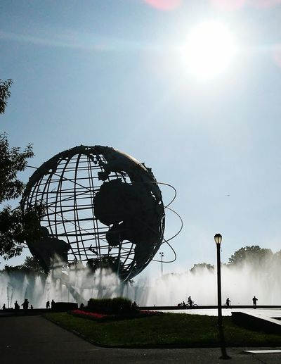flushing globe Nyclife NYC Parks Queens Sculpture Globe Waterfountain Sunny Sunnyday Outdoors Outdoor Photography Enjoying The Sun Enjoying Life The World Sky
