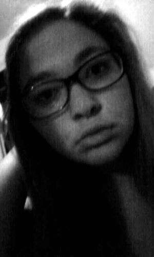 I just want to say i feel really pretty in this pic Pouty Face :3 I Feel Pretty Black And White Portrait Damn I Look GOOD