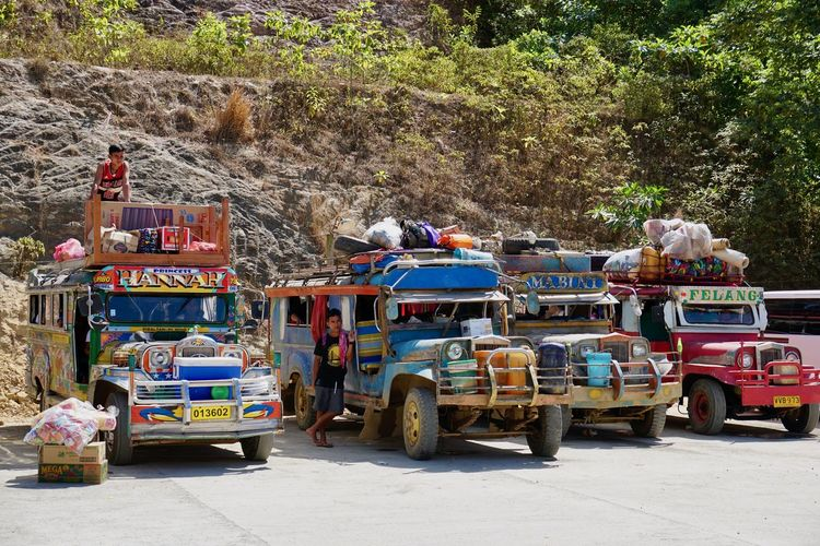 El Nido Philippines Palawan Palawan Philippines Transportation Mode Of Transportation Incidental People People Real People Travel Car Motor Vehicle Land Vehicle Men Road Public Transportation ASIA Bus Traveling Voyage Parked Philippines Bus The Traveler - 2019 EyeEm Awards The Photojournalist - 2019 EyeEm Awards