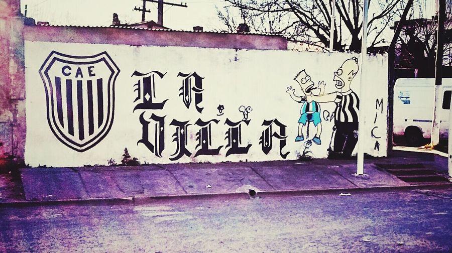 Los muchachos del Barrio Mercado le mandan un mensaje al Tricolor de Villa Raffo...