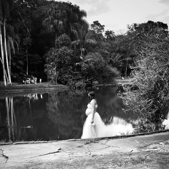 Mothers day! EyeEmBrasil Monoart Mobliephotography Streetphoto_bw Monochrome NEM Black&white