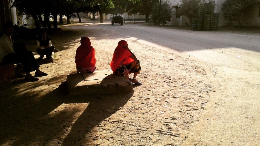 Traditional Clothing Rear View Adult Shadow People Walking Only Women Sari Women Sunlight Adults Only Full Length Sitting Togetherness Day Two People Sand Outdoors Young Adult Rajasthan Jaipur Sunlight ☀ Sunlight, Shades And Shadows Rajasthan Sitting Lightroom Cc