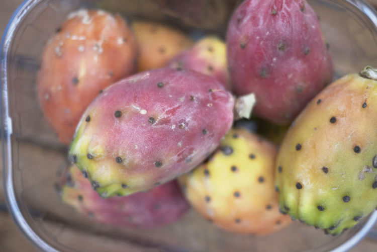 prickly pears fruit Food And Drink Food Healthy Eating Freshness Fruit Wellbeing Close-up No People Container Still Life Selective Focus High Angle View Large Group Of Objects Basket Red Day Focus On Foreground Prickly Pear Prickly Pear Fruit Tuna Fruit Opuntia Cactus Fruit Vitamins Ripe
