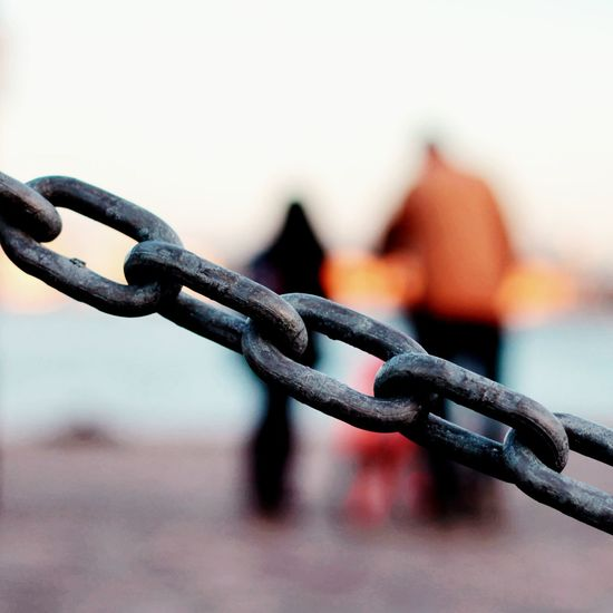 Love me or leave me. Chain Walking Around Couples Sunset Showcase:June Adapted To The City Fine Art Photography