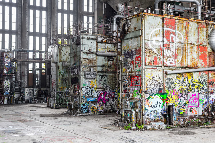 The Secret Spaces Graffiti Dirty Fabric Munich Lostplaces No People Indoors  Architecture Lost Places Garbage City