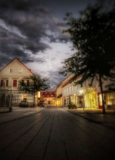 Travel Love Passion Ggaßler Home is Where the Art is Photoshoot Passionforphotography Photooftheday Viewpoint Time To Reflect Gleisdorf Steiermark,Austria Stadtansichten The Traveler - 2018 EyeEm Awards City Illuminated Tree Sky Architecture Building Exterior Built Structure Cloud - Sky